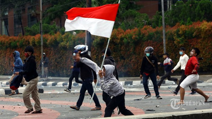 DPRD dan Gubernur Sumbar Surati Presiden Jokowi, Respon Atas Penolakan UU Cipta Kerja